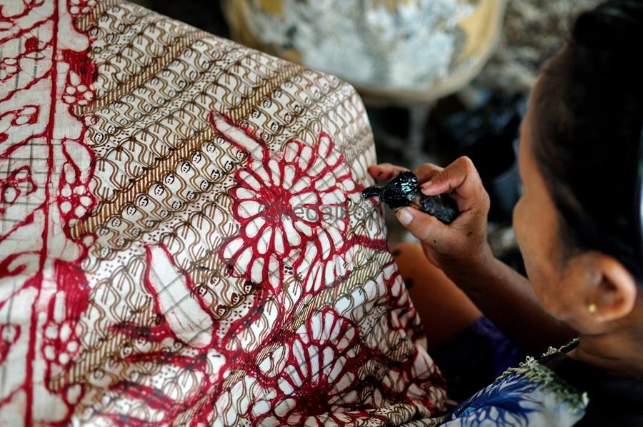 Berikut Ini Jenis Baju Batik Modern untuk Kaum Perempuan